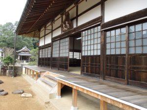 天寧寺-ガラス入れ替え前3外側